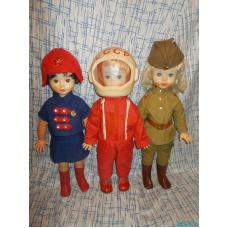 Советские куклы в военной форме