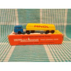 Модельки  Автомобиль -цистерна Татра ГДР в коробке лот №1